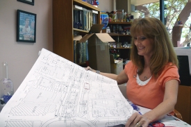Cheryl Plummer looks at a map of the Mall.