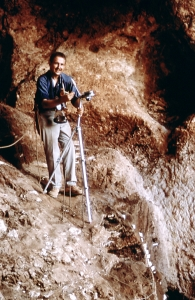 Art Jelinek at Tabun Cave in Israel in 1967. (Photo by W.R. Farrand)