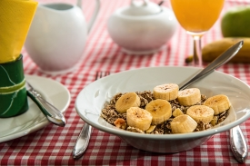 Starting your day with a healthy breakfast can help you avoid cravings later.