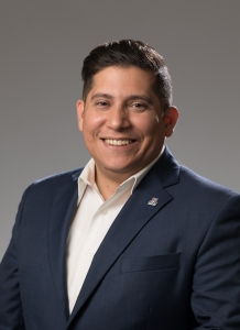 Incoming HSI fellow Ricky Hernandez, assistant vice president for alumni operations and chief operating officer for the UA Alumni Association