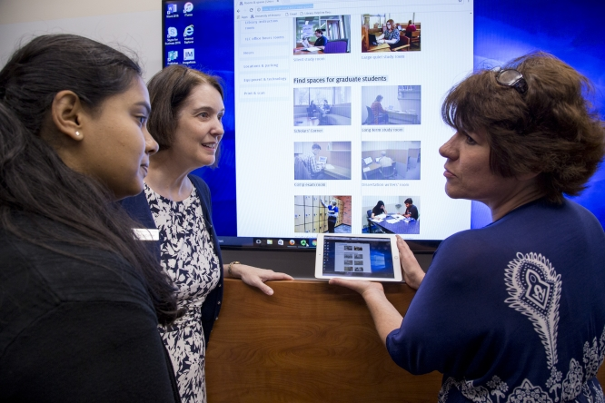 In the Collaborative Faculty Room, instructors can experiment with many of the same technologies available to them in collaborative classrooms across campus. (Photo courtesy of University Libraries)