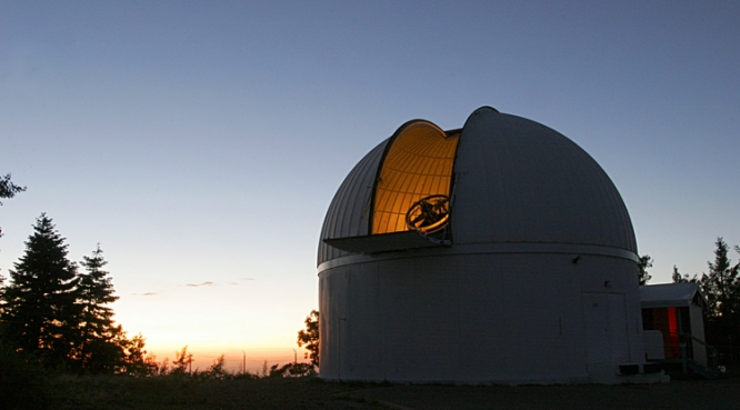 The Schmidt telescope atop Mount Lemmon is used to search for asteroids. (Photo courtesy of Catalina Sky Survey)
